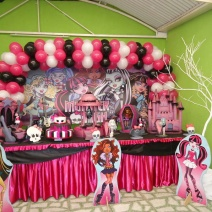 Monster High - Toalha Pink e Preto
